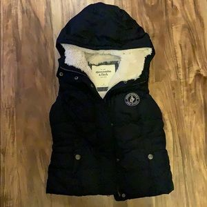 Abercrombie puffer vest Sherpa lined Xs navy